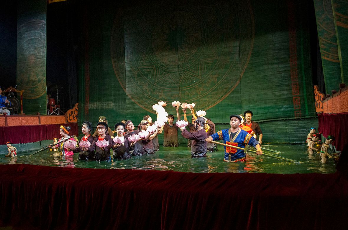 1280px-final_act_of_thang_long_water_puppetry_show