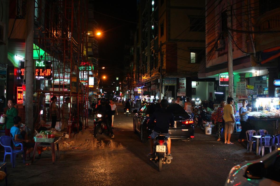 rue-de-nuit-vung-tau