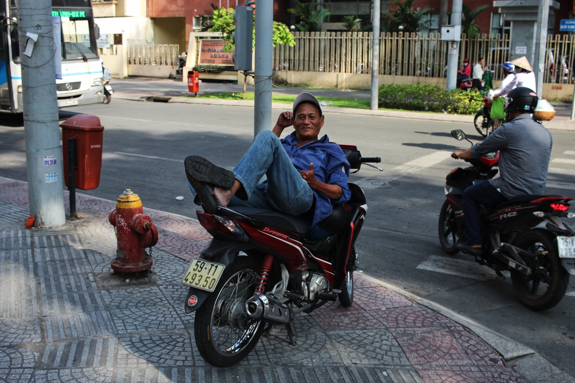 xeom-vietnam-saigon-casquette