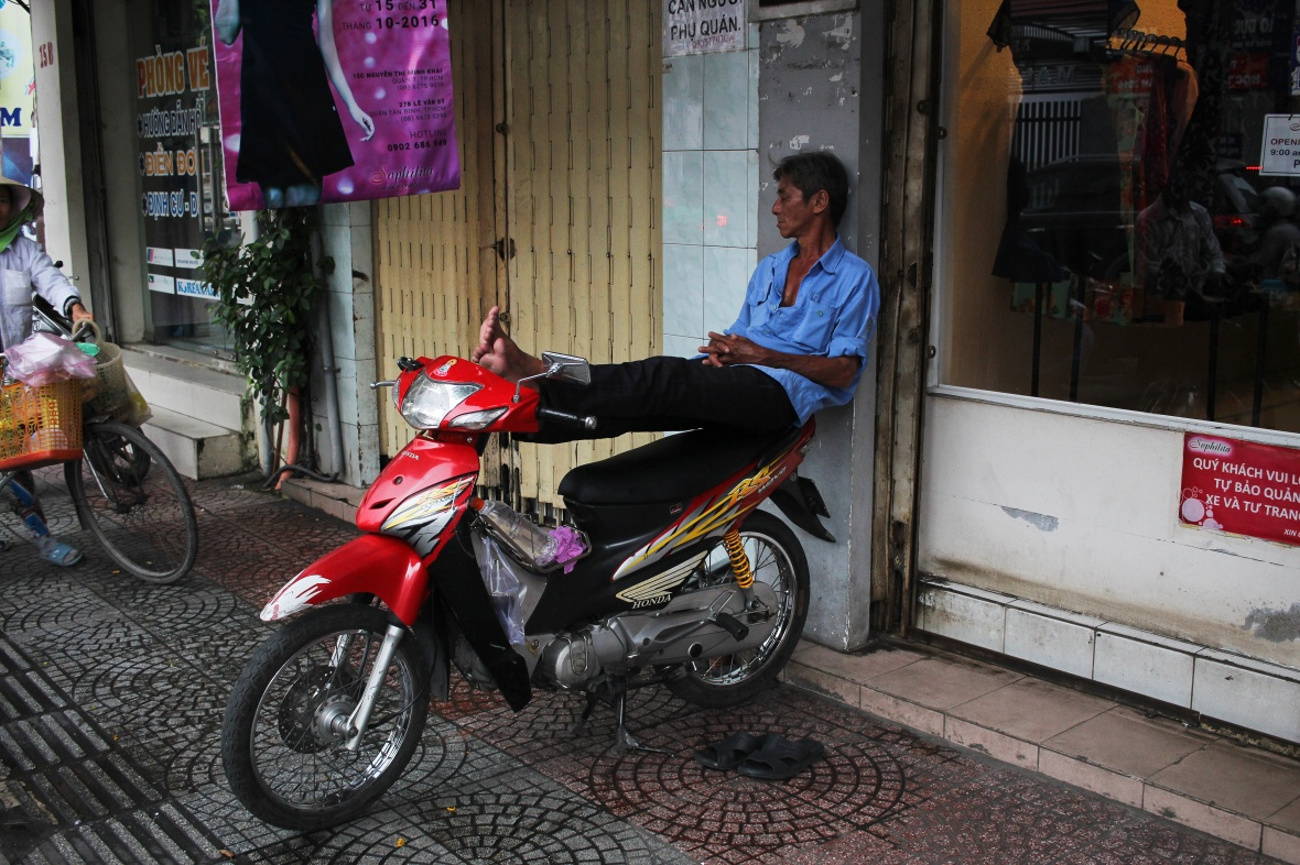 xeom-vietnam-saigon-moto-rouge