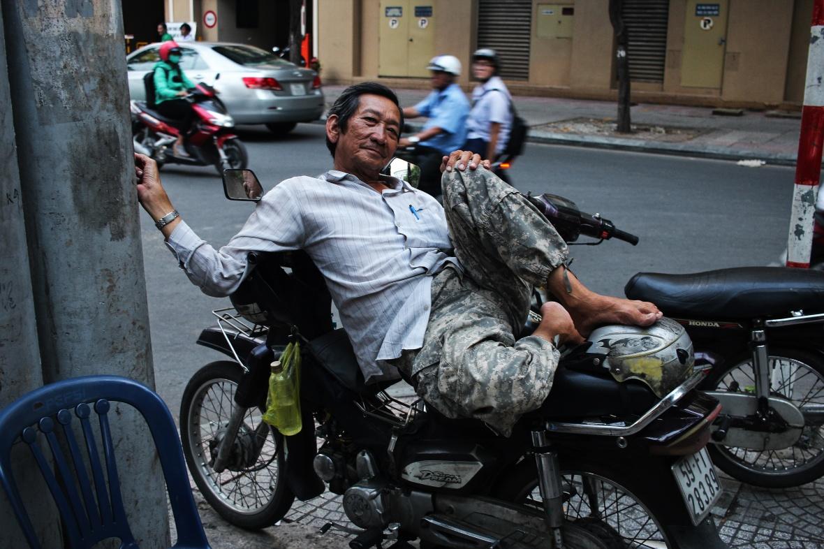 xeom-vietnam-saigon-pantalon-militaire