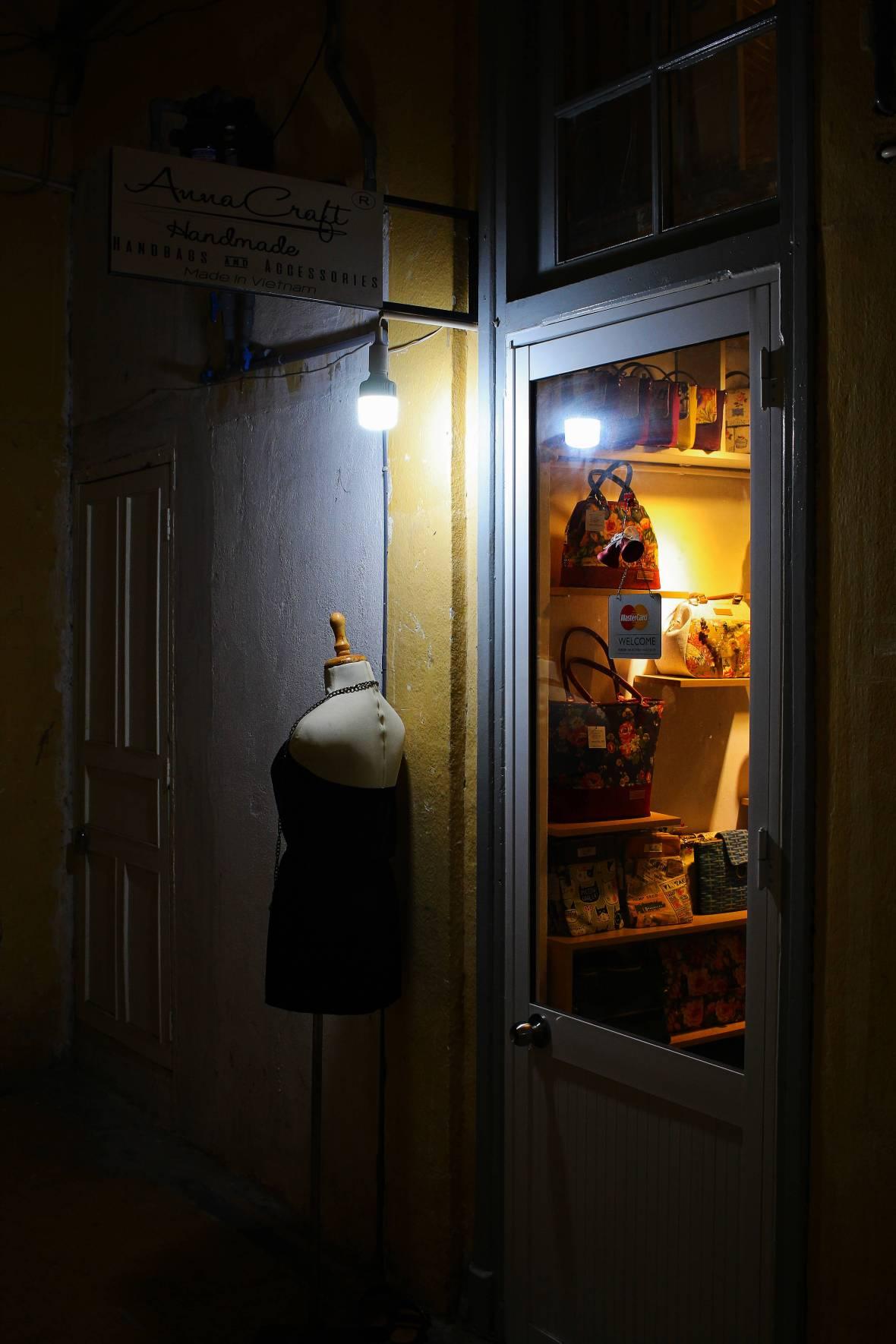 immeuble retro saigon interieur boutique