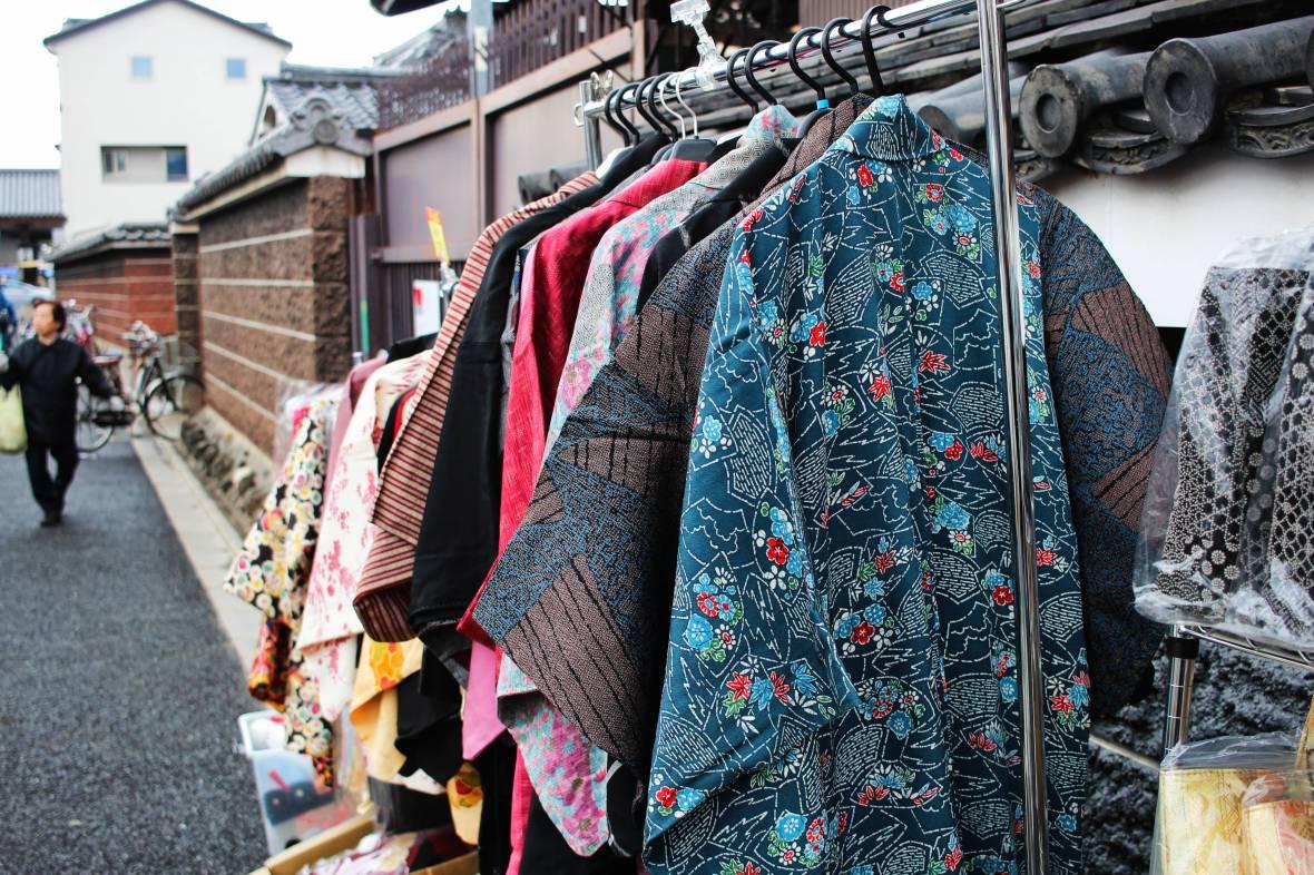 kobo-san market approche du marché