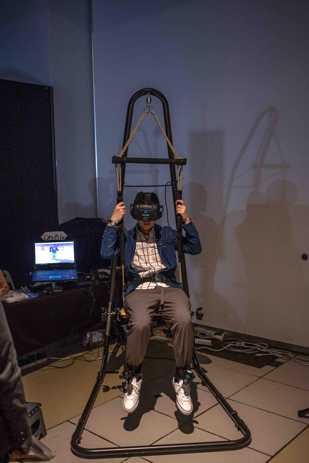 laurent ibanez derrierre la colline bitsummit 2018 parachute virtuel